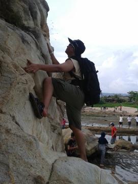 Mendaki Bukit