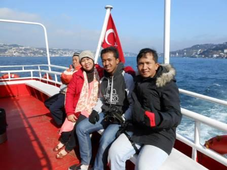 Bosphorus cruising