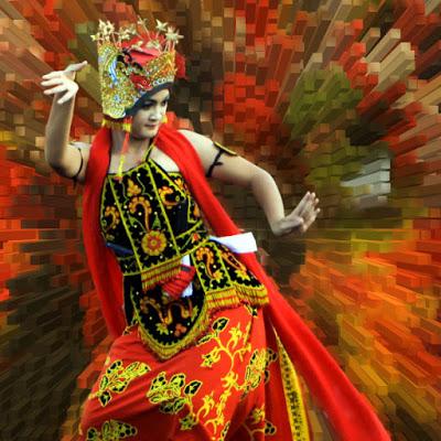 gandrung-dancer